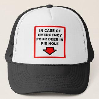 Boné Derrame a cerveja no chapéu do furo da torta