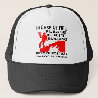 Boné Em caso do fogo retire por favor a construção