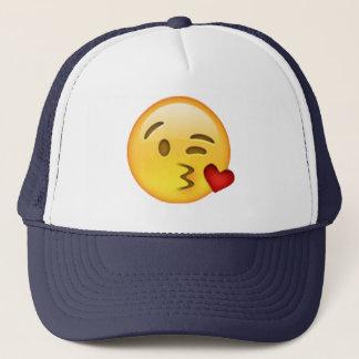 Boné Emoji - beijo de jogo