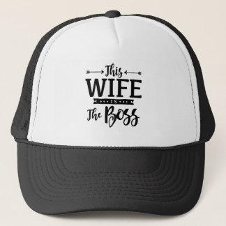 Boné Esta esposa é o chefe