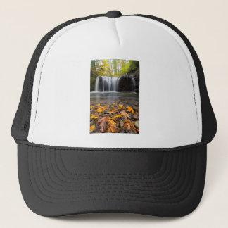 Boné Folhas de bordo da queda na cachoeira escondida