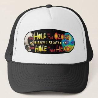 Boné Furo de YWNMWR no Ozone=Hole em seu chapéu