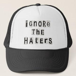 Boné Ignore os haters.