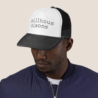 Boné Logotipo preto no chapéu do camionista