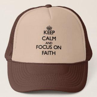 Boné Mantenha a calma e o foco na fé