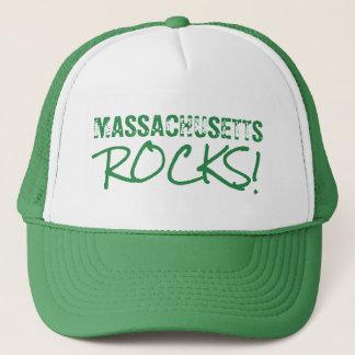 Boné MASSACHUSETTS balança o verde das palavras