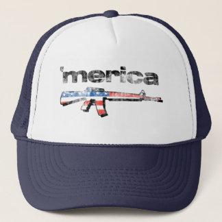 Boné Merica afligiu o chapéu do rifle