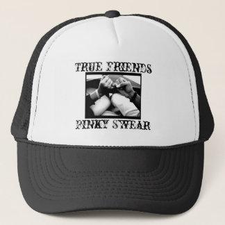 Boné Mindinho jure o chapéu