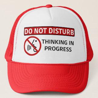 Boné NÃO PERTURBE: Pensamento em andamento (Red Hat)