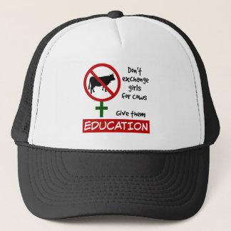 Boné Não troque meninas por vacas, dão-lhes a educação