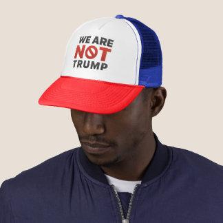 """Boné """"Nós não somos chapéu do camionista do trunfo"""""""