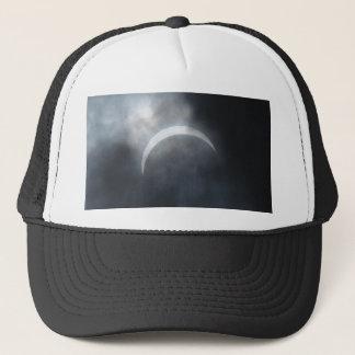 Boné Nuvens de tempestade assustadores 2017 do eclipse