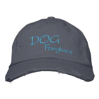 Boné O cão perdoa o chapéu destruído