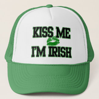 Boné O dia engraçado do St. Patricks, beija-me que eu