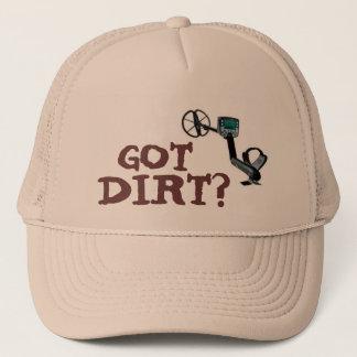 Boné O metal que detecta o chapéu mantem uma cabeça