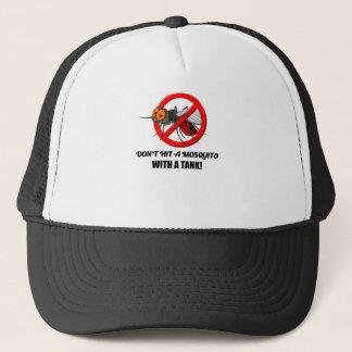 Boné o mosquito não o bate com um tanque