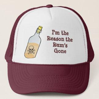 Boné O pirata bebe todo o rum