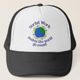 Boné O trabalho social faz o mundo ir circularmente