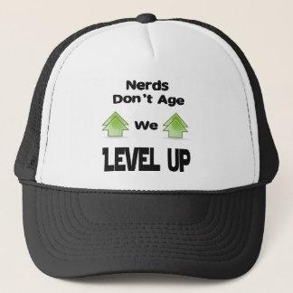 Boné Os nerd não nos envelhecem nivelam acima