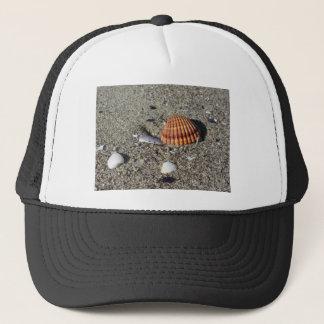 Boné Os Seashells no verão da areia encalham a opinião