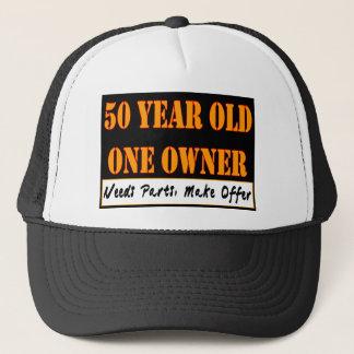 Boné Pessoas de 50 anos, um proprietário - as peças das