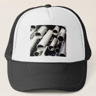 Boné pilha de tubos do metal