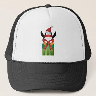 Boné Pinguim com o chapéu do papai noel na ilustração