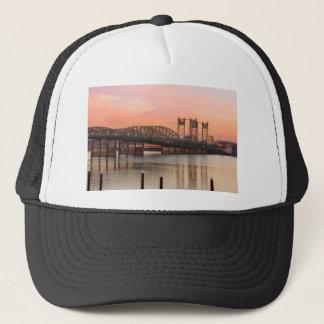 Boné Ponte de um estado a outro sobre o Rio Columbia no