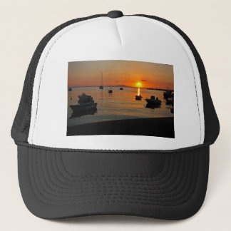 Boné Pôr do sol ao porto de Novalja n iKroatien