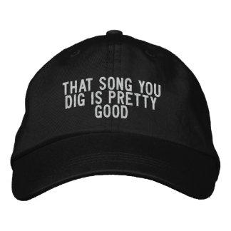 Boné que canção que você escava é relativamente bom