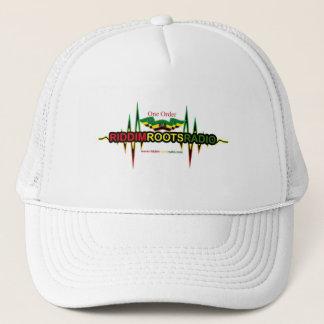 Boné Riddim enraíza o chapéu de rádio do camionista