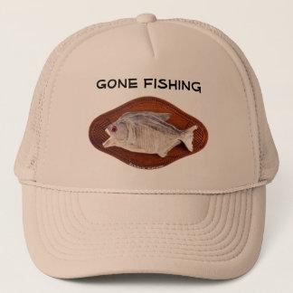 Boné Sinal de pesca ido no chapéu