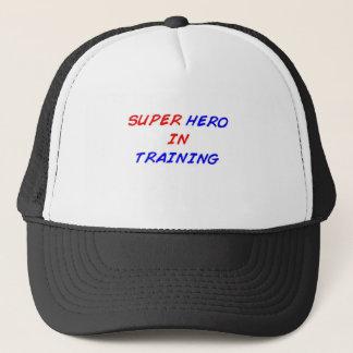 Boné Super-herói no treinamento