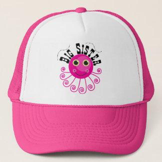 Boné T-shirt e presentes cor-de-rosa da irmã mais velha