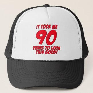 Boné Tomou-me 90 anos para olhar este bom