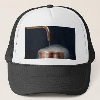 Boné tubulação de cobre de uma destilaria com vapor