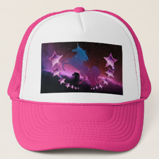 Boné Unicórnio com estrelas