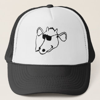 Boné Vaca de fumo com óculos de sol