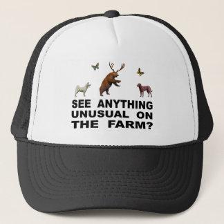 Boné Veja qualquer coisa incomum na fazenda?