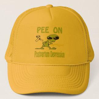 Boné Xixi no chapéu após o parto da depressão