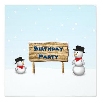 Bonecos de neve bonitos com sinal - convite do