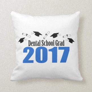 Bonés e diplomas do formando 2017 da escola dental almofada