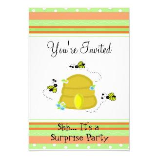Bonito Bumble o convite de festas da surpresa da a
