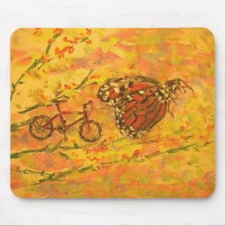 borboleta e bicicleta de monarca mousepad