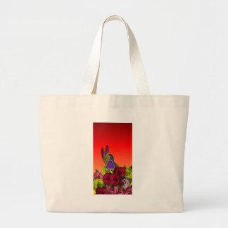 Borboleta nas flores bolsas