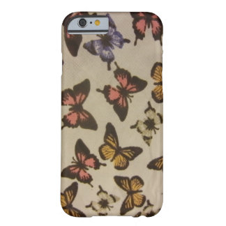 Borboletas selvagens capa barely there para iPhone 6
