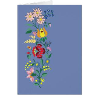 Bordado tradicional da flor do cartão