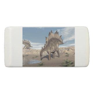 Borracha Stegosaurus perto da água - 3D rendem