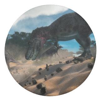 Borracha Tarbosaurusnext à floresta liban do cedro