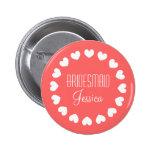 Botão cor-de-rosa coral da dama de honra com coraç boton